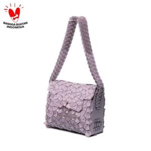 Byo Mailbox Bag in Lilac