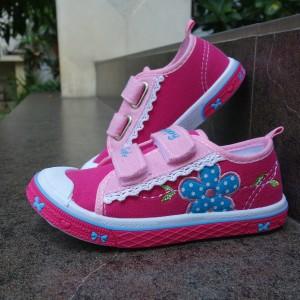 Sepatu anak Perempuan TK dan SD sepatu anak slip on Kipper Tipe Kp 101