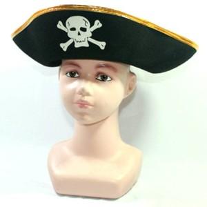 Topi bajak laut keras
