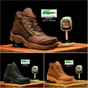 Sepatu Pria casual Boots Crocodile Morisey safety Boot Hitam