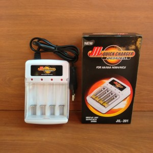 Charger Baterai AA-AAA Fast Charger-Alat Cas Batre