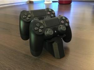 Harga aksesoris game ps ps4 controller stand 3d print   | HARGALOKA.COM