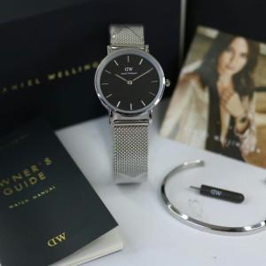Harga jam tangan wanita dw rantai pasir stainless gray black free | HARGALOKA.COM