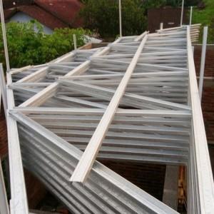 Harga bongkar atap kayu jadi baja ringan genteng | HARGALOKA.COM