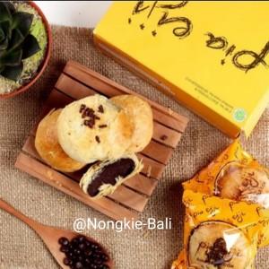 Harga pia eiji khas bali isi 8 pcs rasa | HARGALOKA.COM