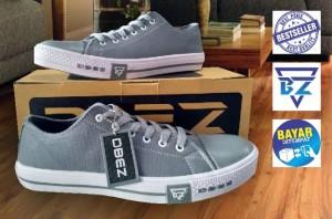 Harga sepatu sneaker klasik pria dbez wmc01   abu abu | HARGALOKA.COM