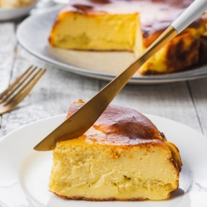Harga basque burnt cheese cake durian kue ulang tahun dan hari raya   15 | HARGALOKA.COM