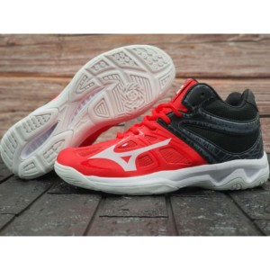 Harga sepatu olahraga mizuno wlz z5 sport ukuran besar 44 45   merah hitam | HARGALOKA.COM