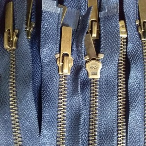 Harga resleting jaket gigi besi panjang 60 | HARGALOKA.COM