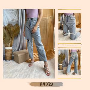 Harga celana jeans panjang ripped highwaist straight jeans wanita kekinian     HARGALOKA.COM
