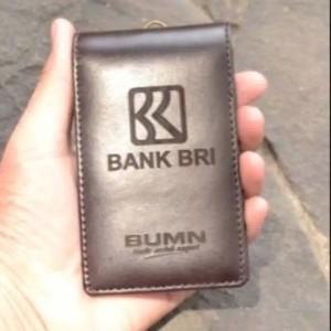Harga name tag id card bri kulit asli   HARGALOKA.COM