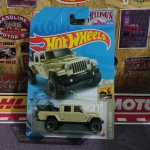 Harga hotwheels jeep gladiator lot p 2020 diecast hw   HARGALOKA.COM