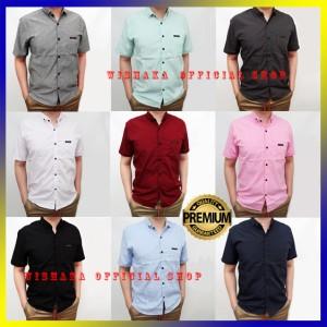 Harga baju kemeja pria lengan pendek hem cowok premium polos hitam putih abu   hitam | HARGALOKA.COM