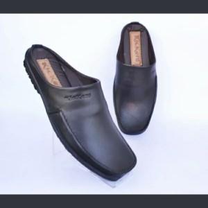 Harga sepatu sandal selop pria kulit asli kickers | HARGALOKA.COM