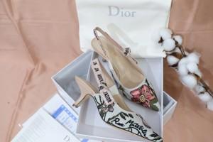 Harga dior heels white motif | HARGALOKA.COM