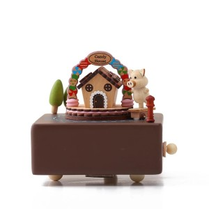 Harga music box wooden candy house with skateboard piggy | HARGALOKA.COM