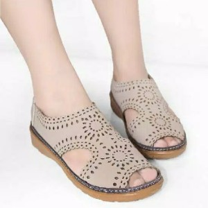 Harga cod sepatu sandal wanita kickers unique kulit laser bm14d   cream | HARGALOKA.COM