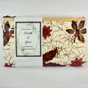 Harga souvenir pernikahan dompet batik ibu tempat pensil hp   dompet | HARGALOKA.COM