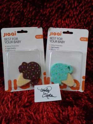 Harga mainan gigitan bayi mainan bayi 3 bulan baby teether bentuk es cream   | HARGALOKA.COM