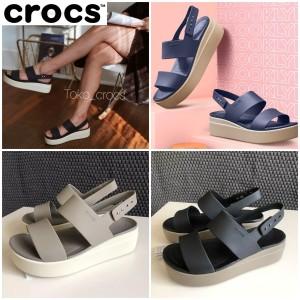 Harga crocs broklyne wedges tali crocs broklyn   crem | HARGALOKA.COM