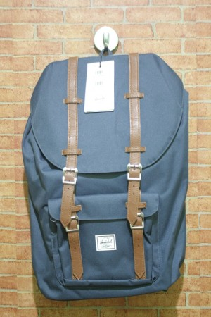 Harga original bnwt herschel little america backpack   navy   | HARGALOKA.COM