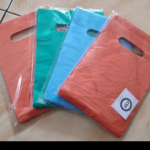 Harga hd oval polos uk 15 x 22 kantong plastik baju plastik | HARGALOKA.COM