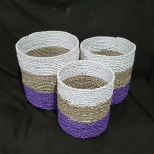 Harga keranjang pandan kombinasi putih dan ungu sea grass pot | HARGALOKA.COM