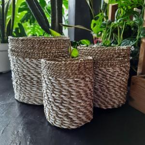 Harga keranjang pandan kombinasi natural putih seagrass pot | HARGALOKA.COM