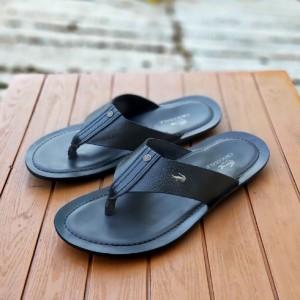 Harga top seller sandal jepit pria crocodile flip kulit casual formal   hitam | HARGALOKA.COM