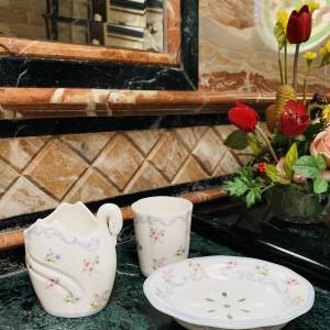 Harga bath set saint james 4 pcs linen flower mewah cantik | HARGALOKA.COM