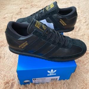 Harga adidas beckenbauer full black gold original bnib | HARGALOKA.COM