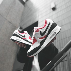 Harga nike air max light og black red us 9 5 eu 43 | HARGALOKA.COM