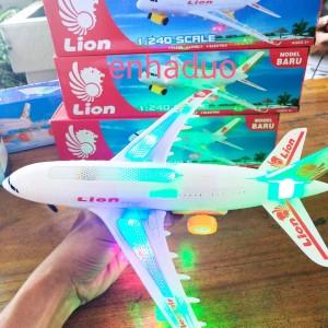 Harga mainan pesawat lion air ada lampu dan bisa jalan | HARGALOKA.COM