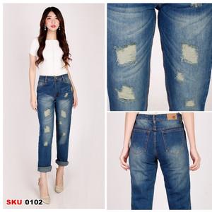 Harga celana panjang wanita boyfriend jeans ripped tembus   biohijautinkrem | HARGALOKA.COM