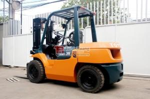 Harga forklift bekas siap pakai toyota 3 5 ton sewa | HARGALOKA.COM