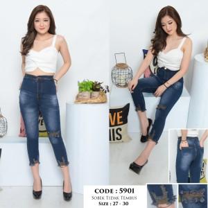 Harga celana highwaist jeans 7 9 highwaist ripped jeans cewek sz 27 30   HARGALOKA.COM