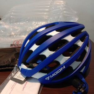 Harga helm roadbike moon helmet | HARGALOKA.COM