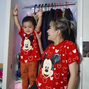 Harga kaos couple keluarga kaos lcc kaos couple family baju couple keluarga   merah anak | HARGALOKA.COM