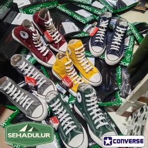 Harga sepatu converse all star 70s sepatu tinggi premium original   maroon | HARGALOKA.COM