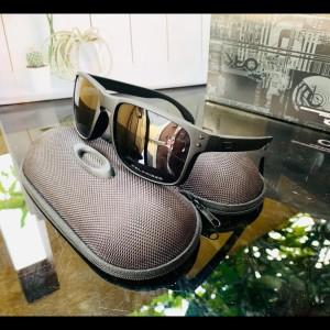 Harga kacamata pria   fashion pria kacamata oakley holbrook fullset   | HARGALOKA.COM