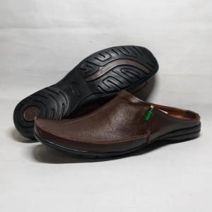 Harga sepatu sendal slop pria   sandal kickers kulit asli terbaru   | HARGALOKA.COM