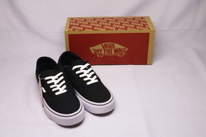 Harga sepatu premium original bnib vans authentic hitam putih murah kualitas   | HARGALOKA.COM