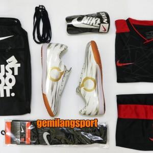 Harga sepatu futsal specs bonus kaos kaki deker tas dan   HARGALOKA.COM