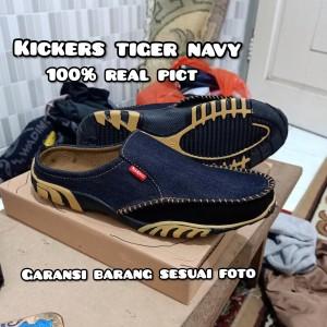 Harga kickers pria sepatu sandal slop slipon   navy | HARGALOKA.COM