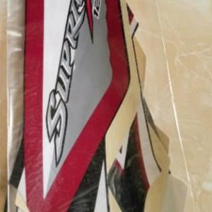 Harga ready striping stiker lis body 1 set honda supra x 125 new batman   merah | HARGALOKA.COM