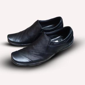 Harga sepatu pantofel pria fantofel formal kulit sapi asli pria   hitam | HARGALOKA.COM