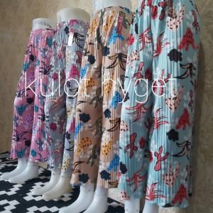 Harga celana kulot plisket motif | HARGALOKA.COM