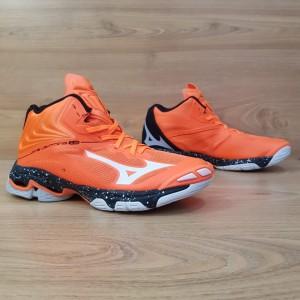 Harga bisa cod sepatu voli mizuno wave lightning z 6 mid premium orange   orange | HARGALOKA.COM