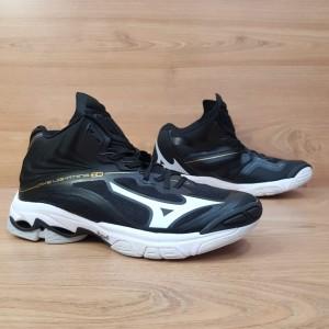 Harga bisa cod sepatu voli mizuno wave lightning z 6 mid black white   black white | HARGALOKA.COM