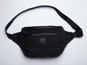 Harga alpaka bravo x sling bag   jet | HARGALOKA.COM